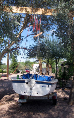 This homemade boat lift helps free up boat trailers for repair without taking 4-5 people to lift the boats.