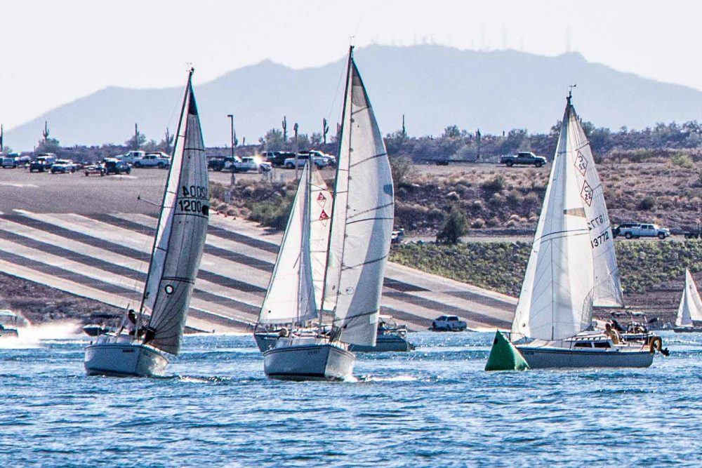 Catalina 22 Rounding - Arizona Yacht Club